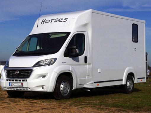vans chevaux  camion et remorque chevaux  vans laissac utilitaires