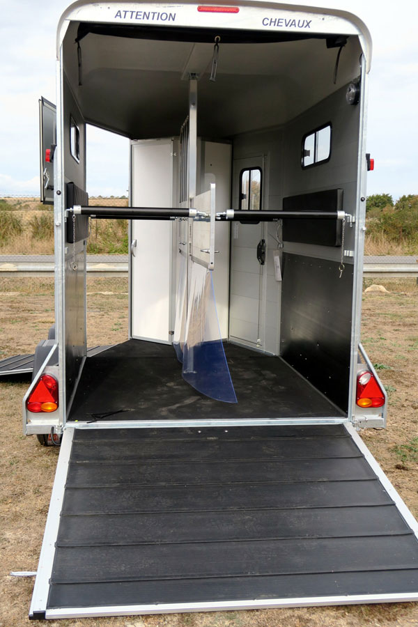 van chevaux touring country7