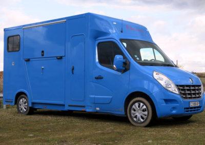 Camion chevaux d'occasion Renault Master chez Laissac Utilitaires